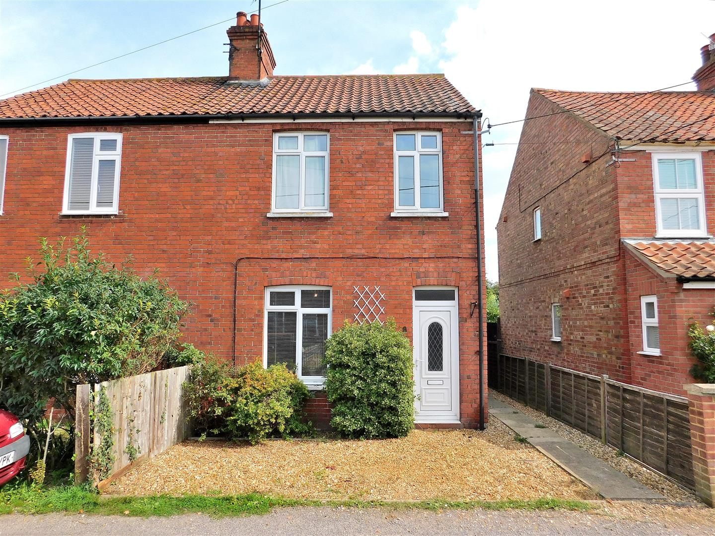 3 bed semi-detached house for sale in King's Lynn, PE31 7DN - Property Image 1