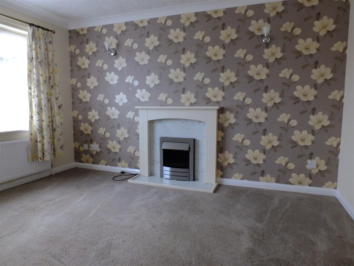 2 bed detached bungalow to rent in Long Sutton Spalding, PE12 9LZ 1
