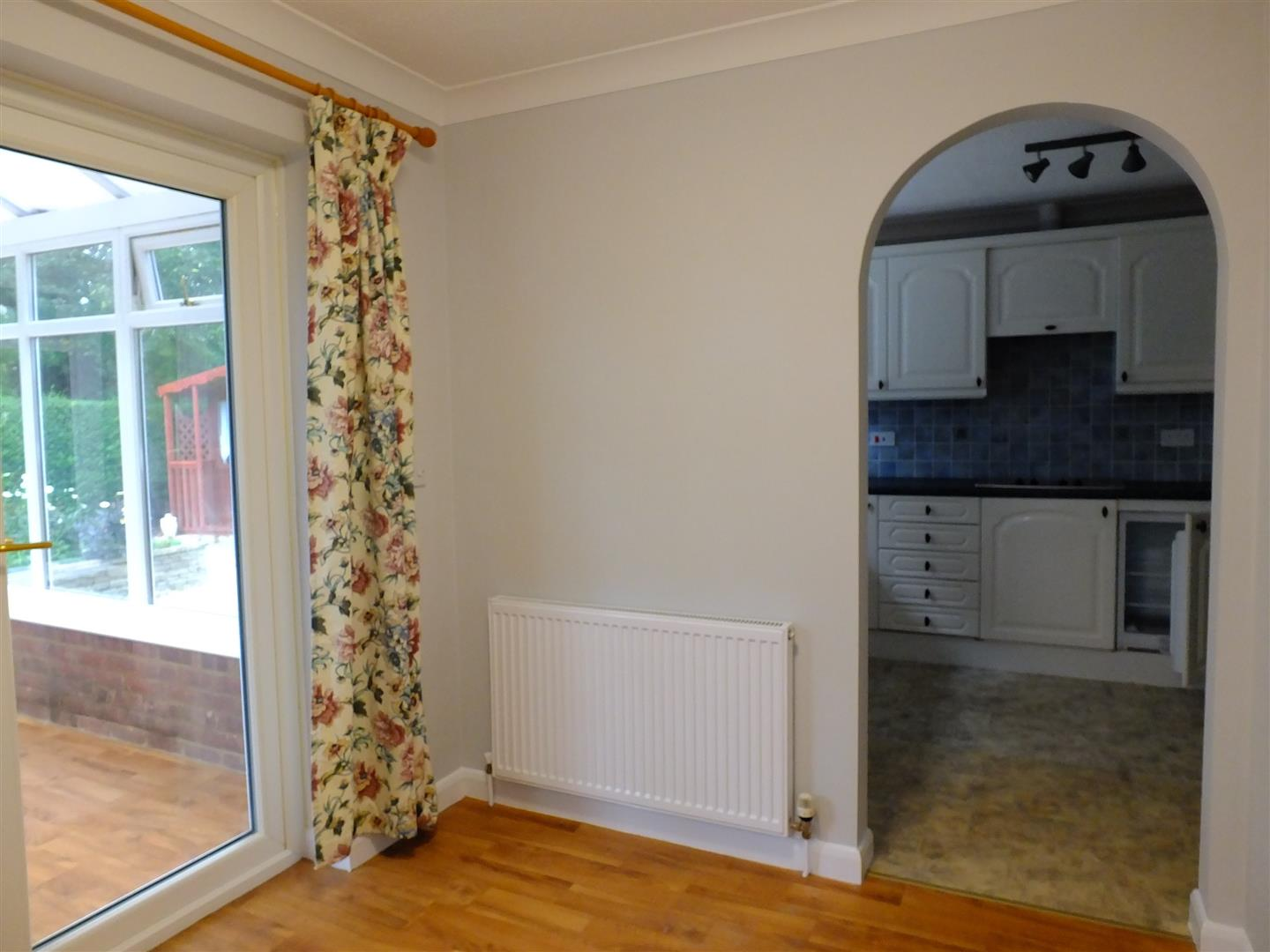 2 bed detached bungalow to rent in Long Sutton Spalding, PE12 9LZ  - Property Image 5