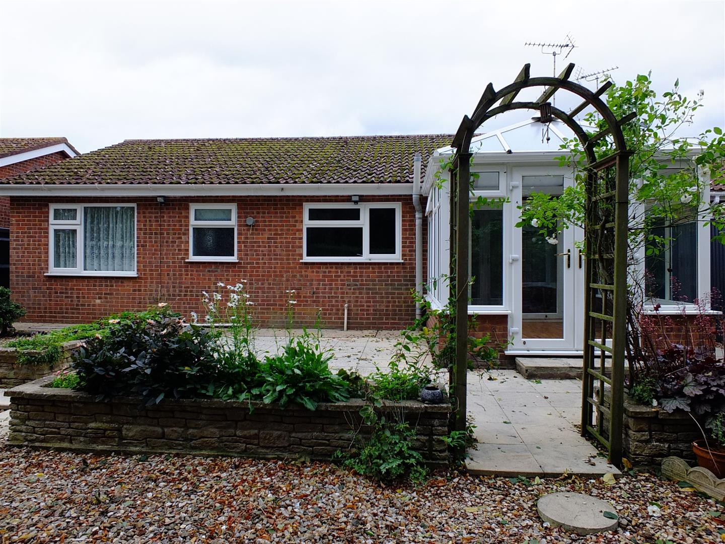 2 bed detached bungalow to rent in Long Sutton Spalding, PE12 9LZ  - Property Image 18