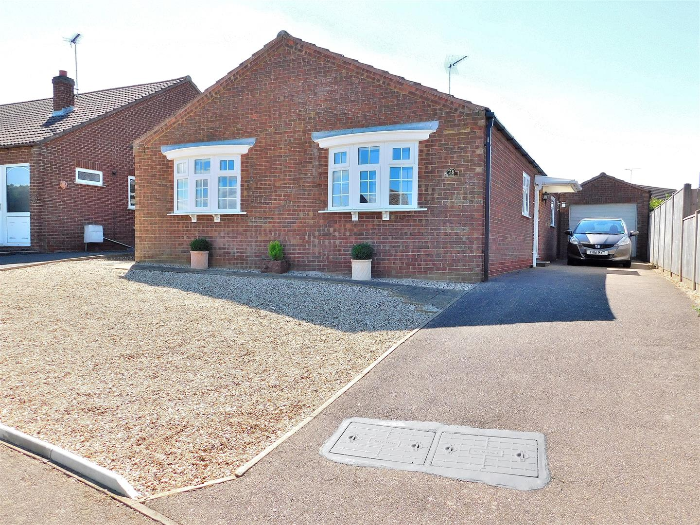 3 bed detached bungalow for sale in Mountbatten Road, King's Lynn  - Property Image 1