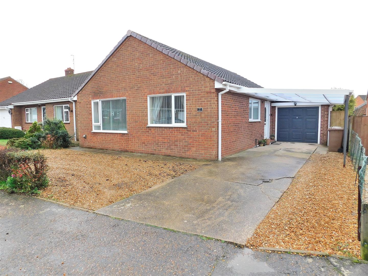 3 bed detached bungalow for sale in King's Lynn, PE31 6JT - Property Image 1