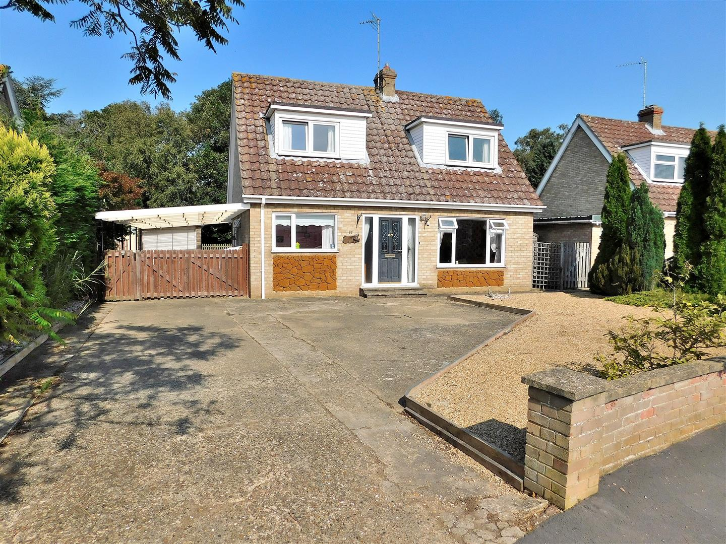 3 bed detached bungalow for sale in King's Lynn, PE31 6PT  - Property Image 1