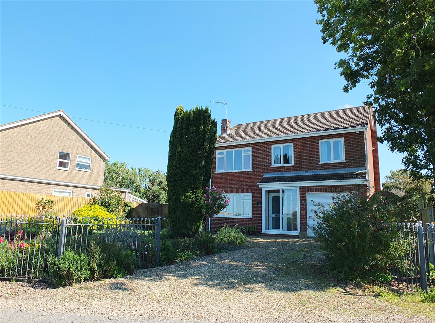 4 bed detached house for sale in Long Sutton Spalding, PE12 9DN - Property Image 1
