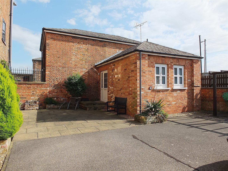 2 bed detached bungalow for sale in Sutton Bridge Spalding, PE12 9TW, PE12