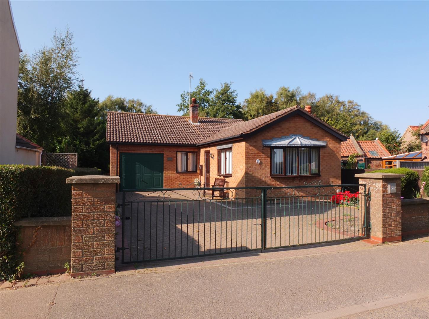 3 bed detached bungalow for sale in Main Street, Gedney Dyke Spalding - Property Image 1