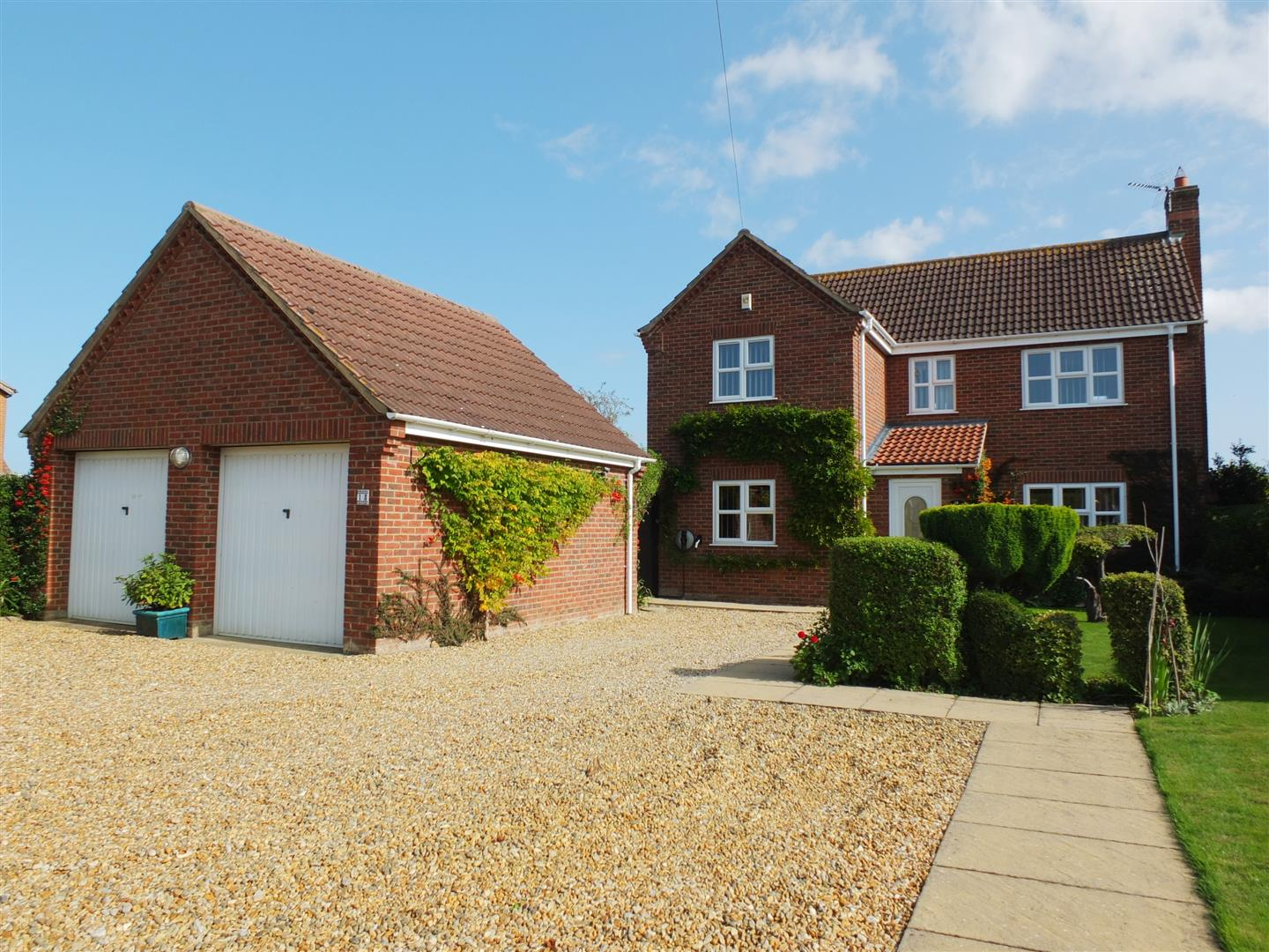 4 bed detached house for sale in Lutton Spalding, PE12 9HP - Property Image 1