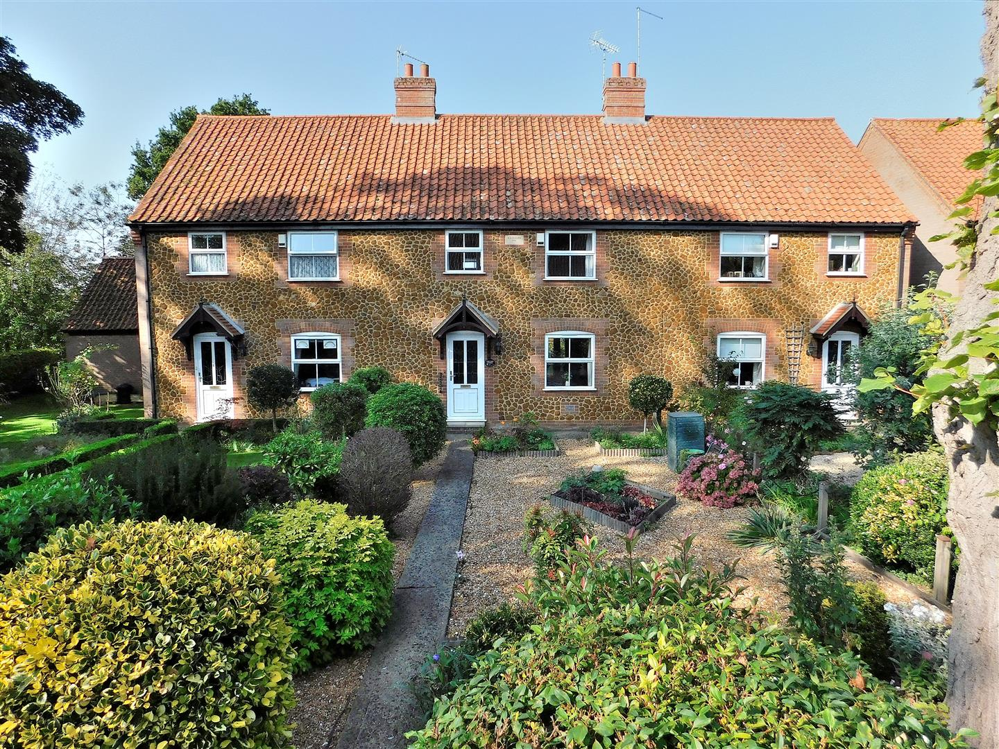 3 bed terraced house for sale in King's Lynn, PE31 6WA  - Property Image 1