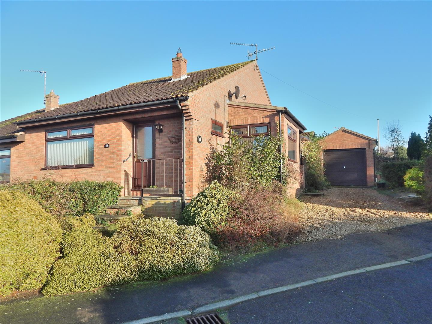 2 bed semi-detached bungalow for sale in King's Lynn, PE31 6YS, PE31