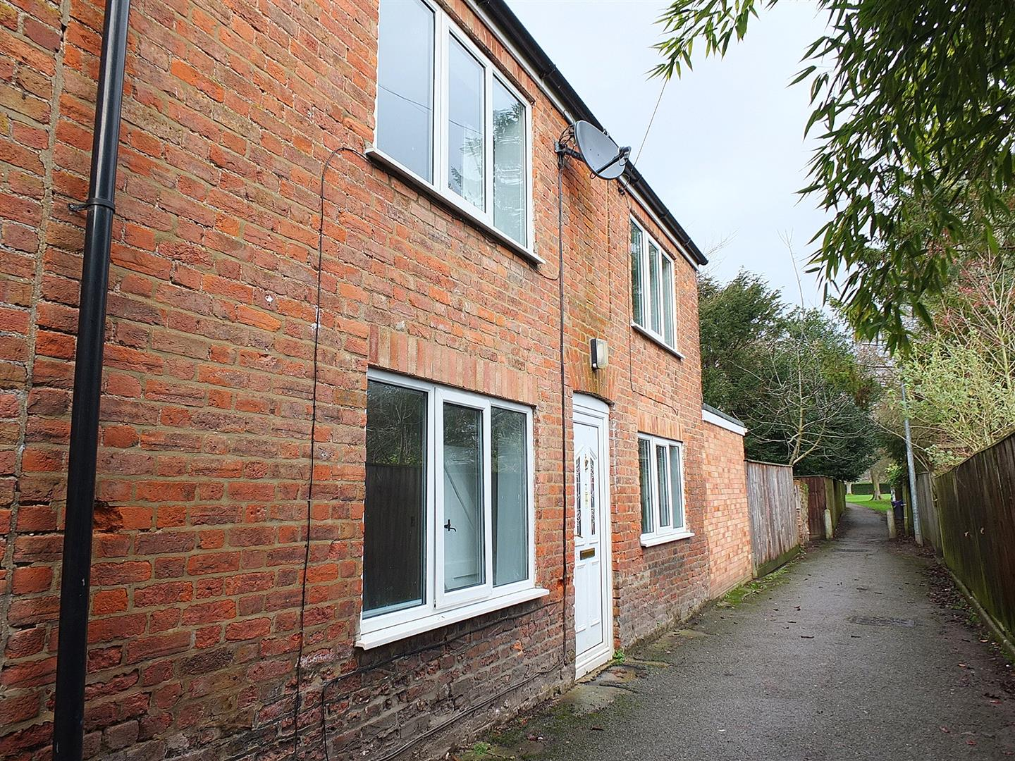 2 bed semi-detached house for sale in London Road, Long Sutton Spalding, PE12