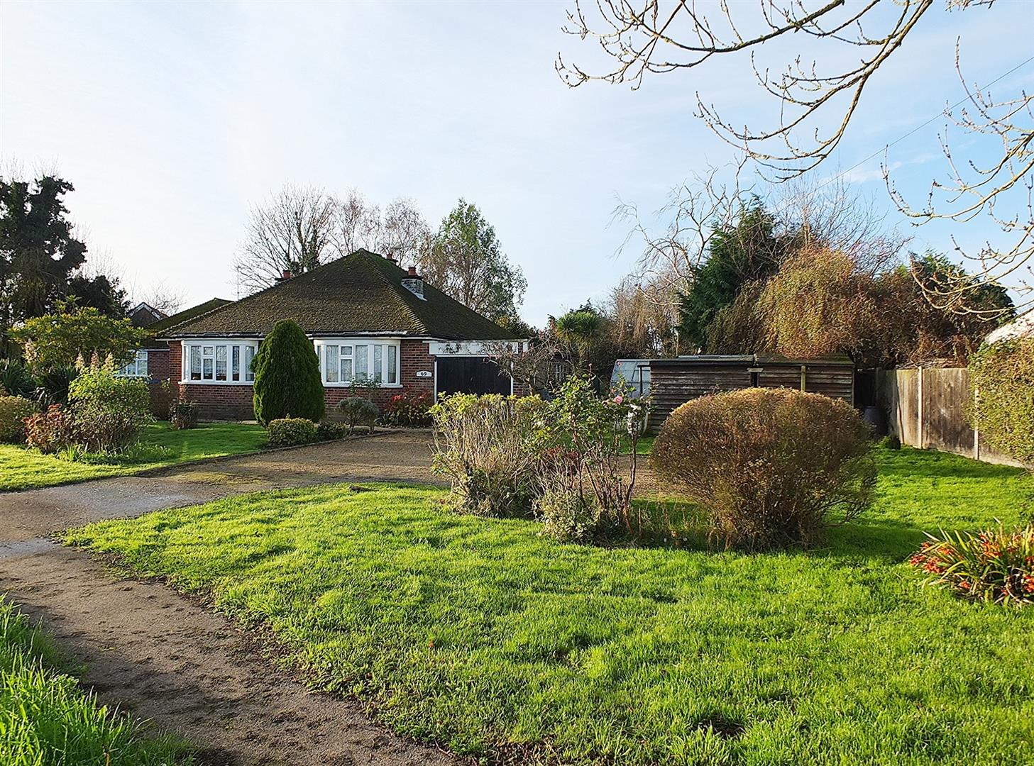3 bed detached bungalow for sale in Gedney Road, Long Sutton Spalding - Property Image 1