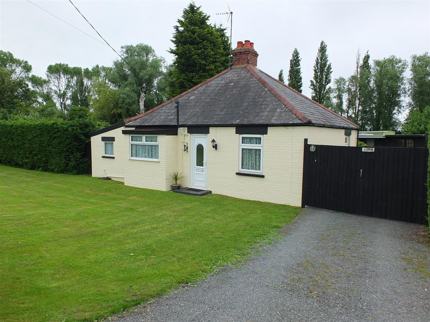 2 bed detached bungalow for sale in Wisbech Road, Long Sutton Spalding, PE12