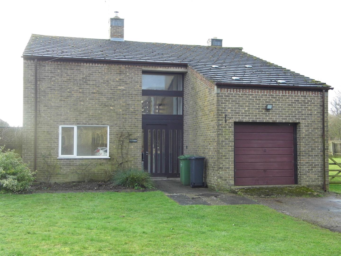 5 bed detached house to rent in Kings Lynn, PE33 9GF  - Property Image 1