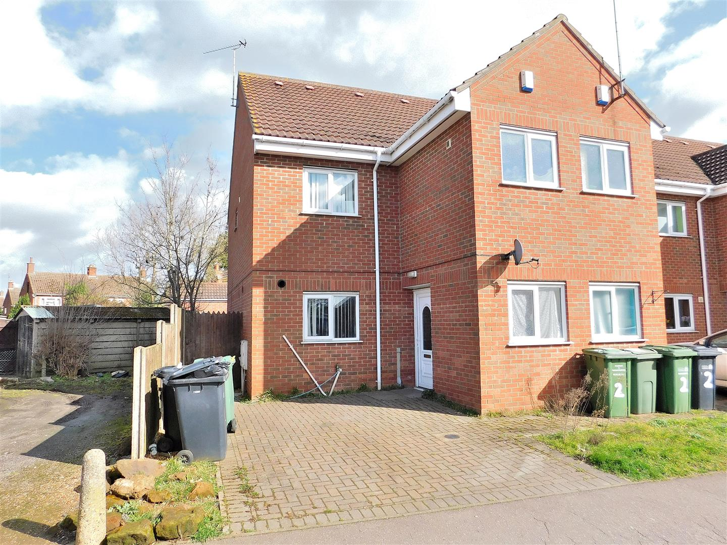3 bed end of terrace house for sale in North Star Court, King's Lynn, PE30