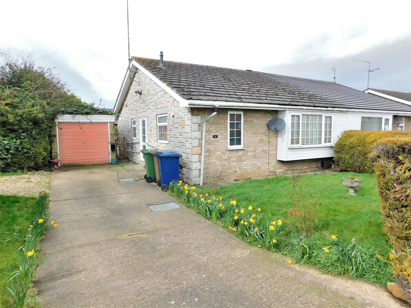2 bed semi-detached bungalow for sale in Maldon Road, Wisbech, PE13
