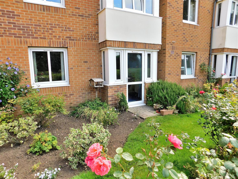 2 bed flat for sale in Lyndhurst Court, Hunstanton, PE36