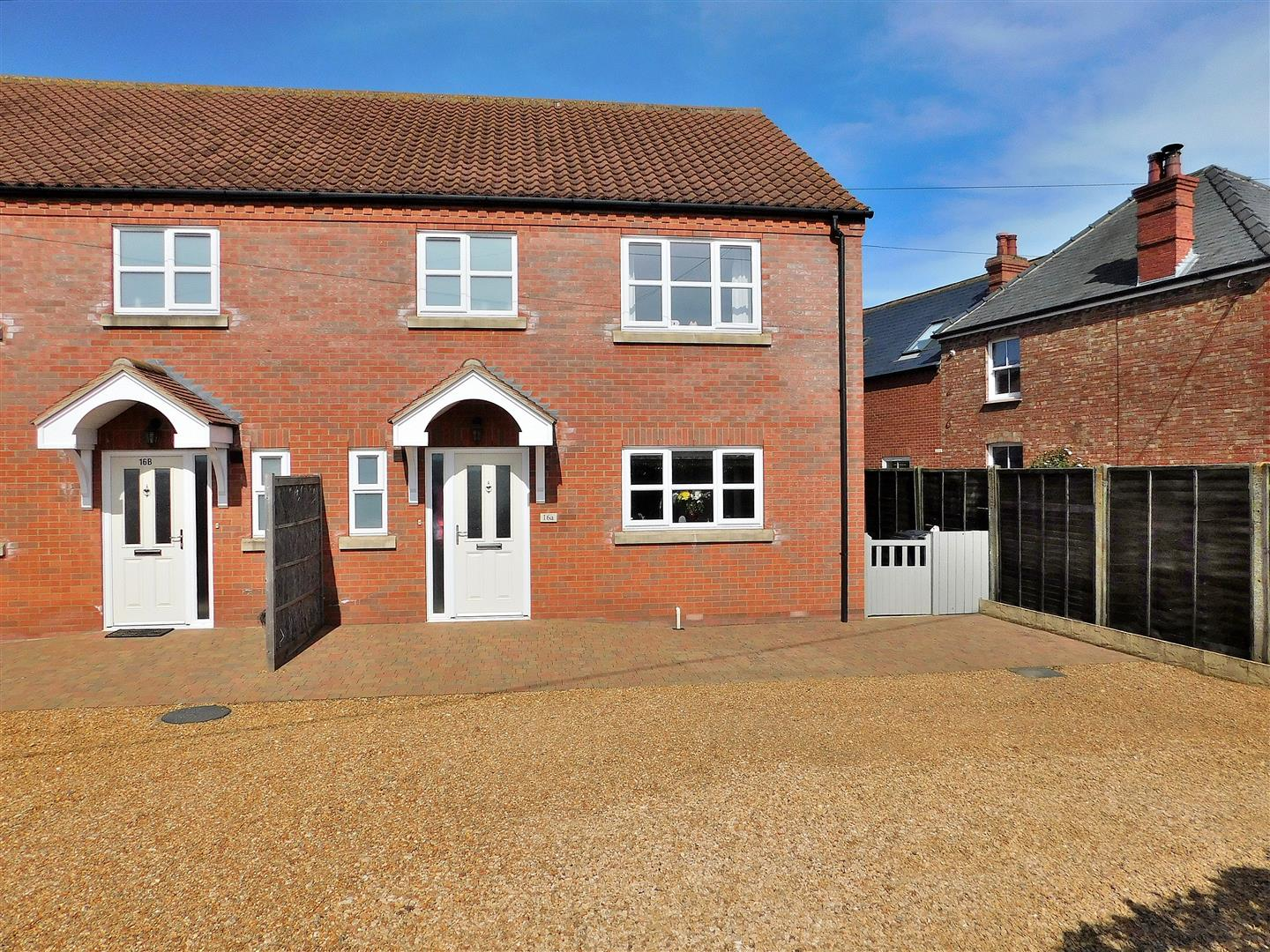 3 bed semi-detached house for sale in Station Road, King's Lynn - Property Image 1