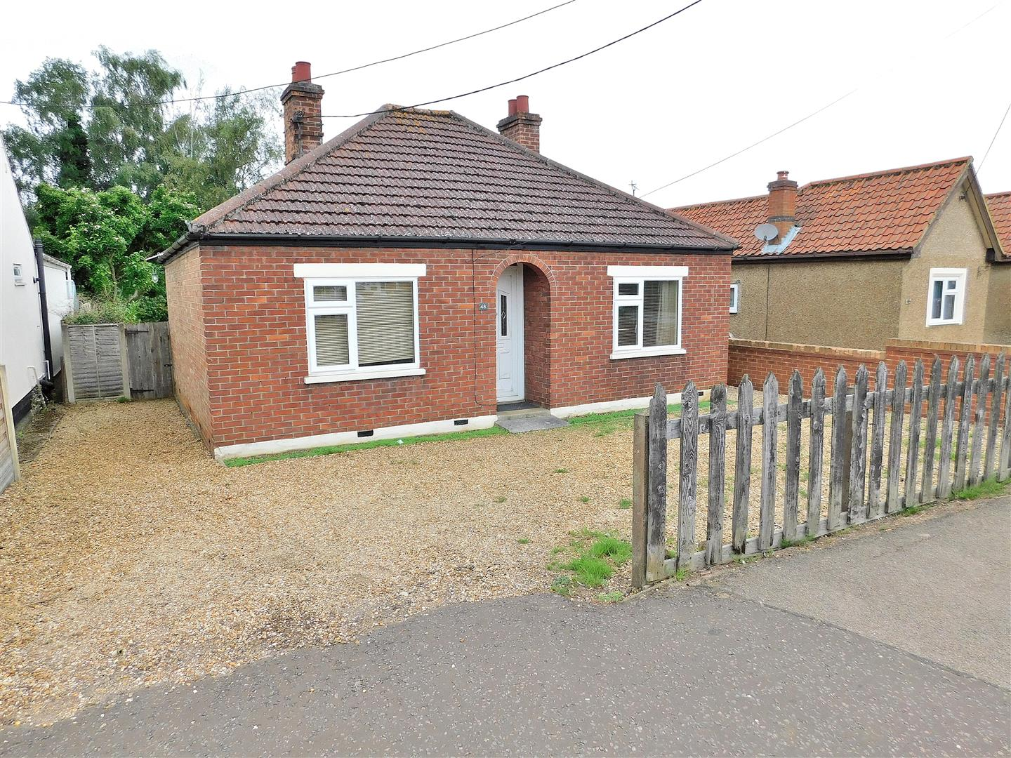 2 bed detached bungalow for sale in Lynn Road, King's Lynn  - Property Image 1