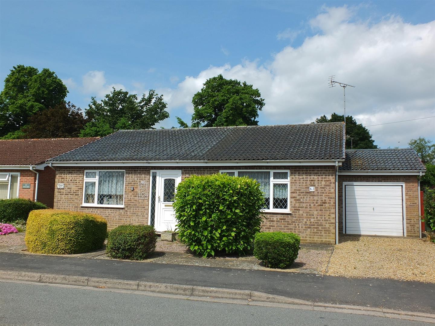 3 bed detached bungalow for sale in Woodlands, Long Sutton Spalding  - Property Image 1