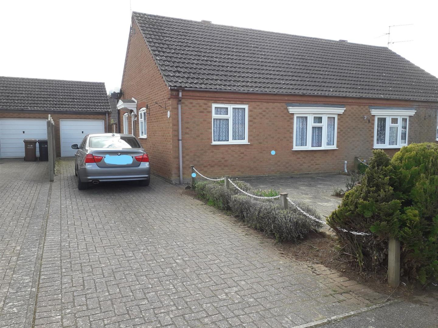 2 bed semi-detached bungalow to rent in Wiclewood Way, King's Lynn, PE31