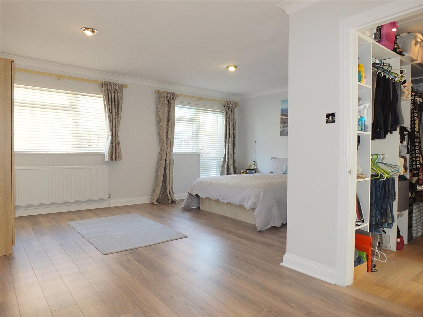 5 bed detached bungalow for sale in Main Street, Gedney Dyke Spalding  - Property Image 17