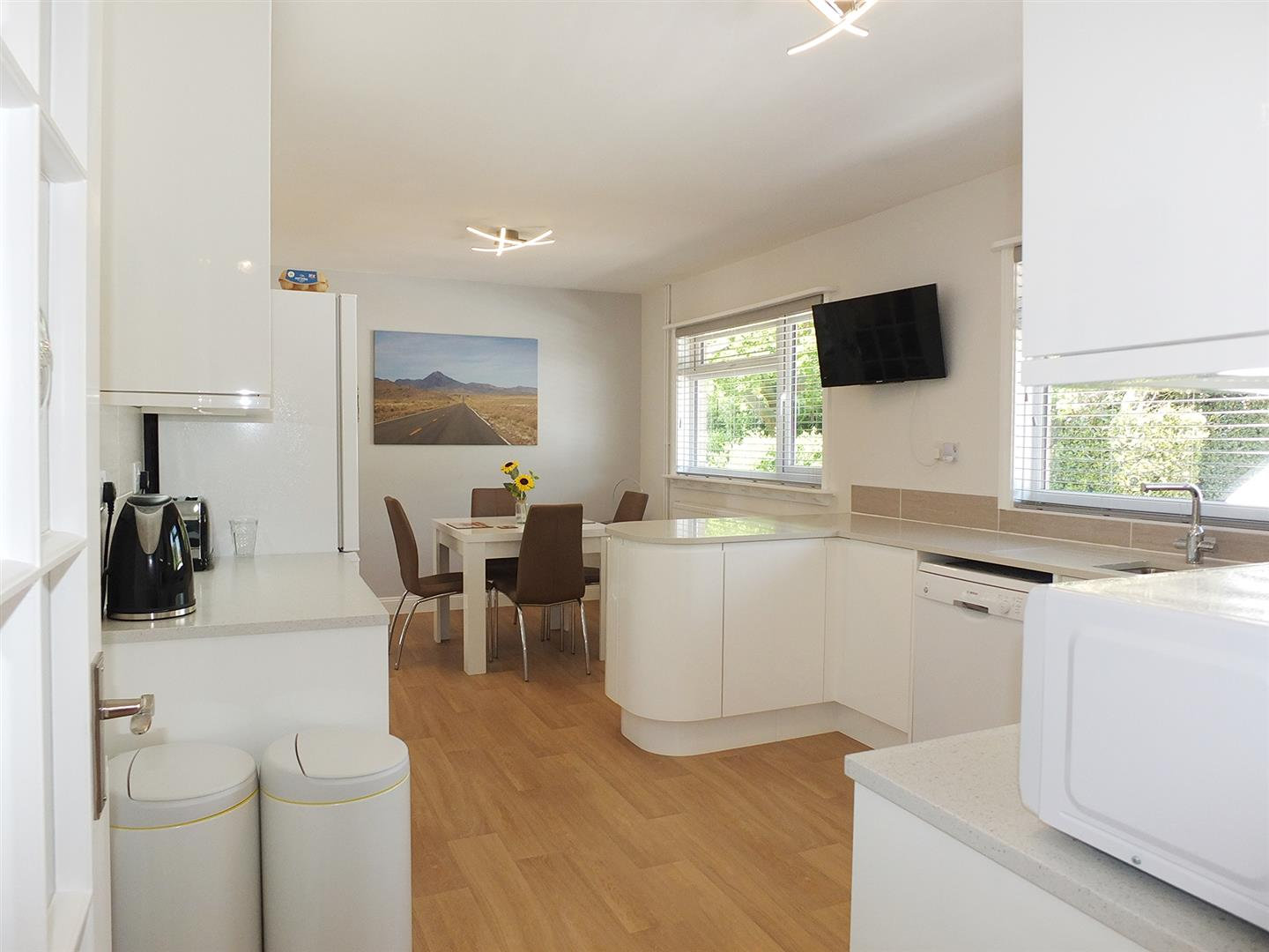 5 bed detached bungalow for sale in Main Street, Gedney Dyke Spalding  - Property Image 2