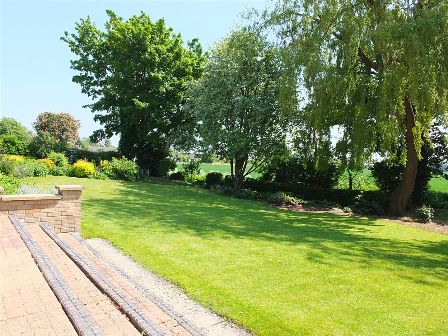 5 bed detached bungalow for sale in Main Street, Gedney Dyke Spalding  - Property Image 24