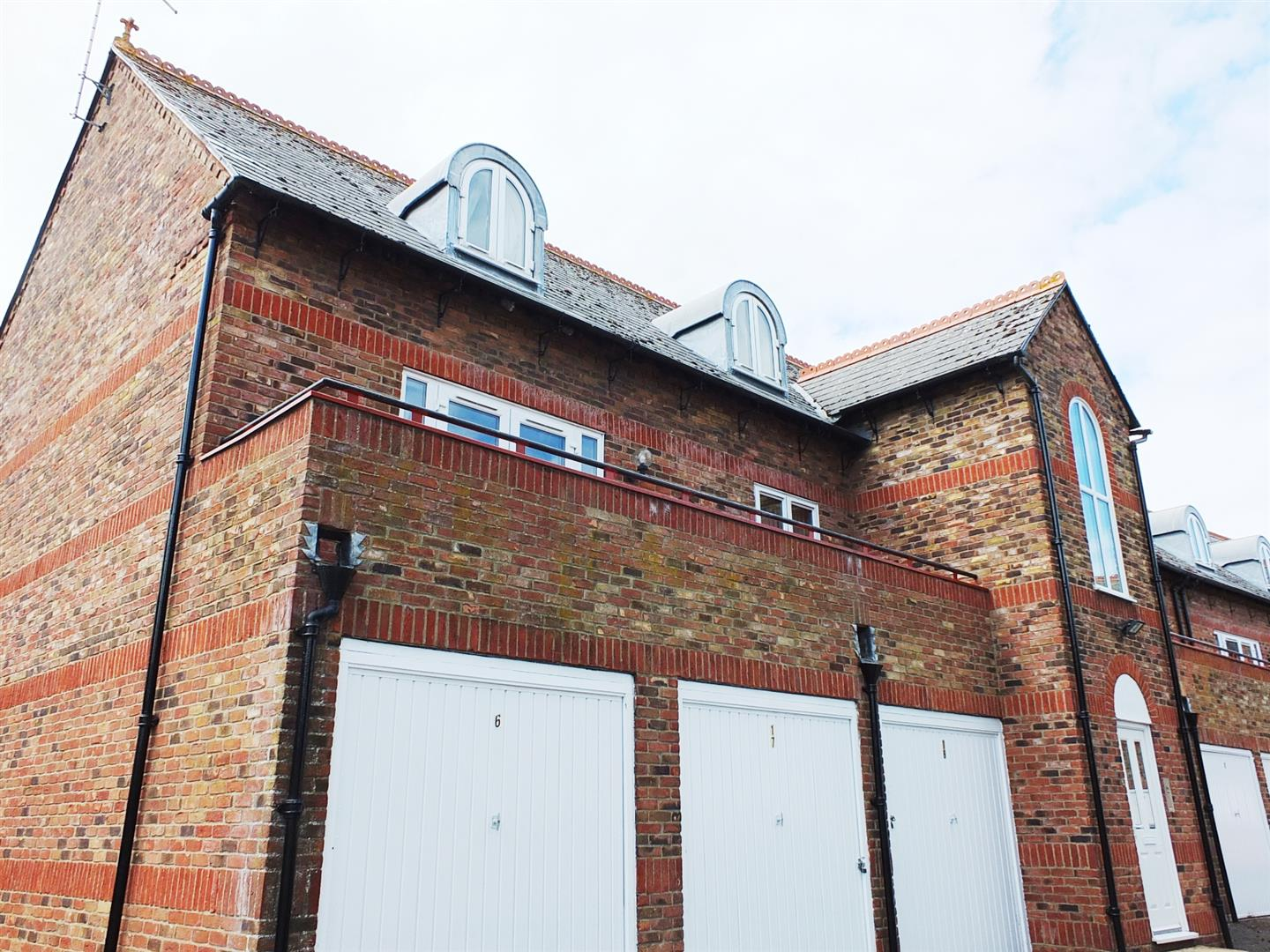 2 bed flat for sale in Swapcoat Mews, Long Sutton Spalding - Property Image 1