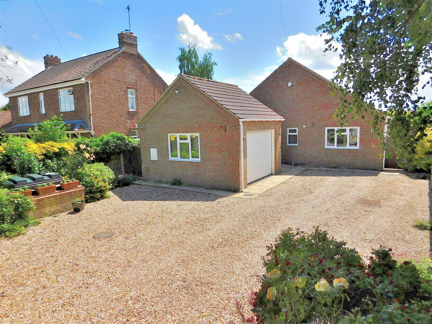 4 bed detached bungalow for sale in Popes Lane, King's Lynn, PE34