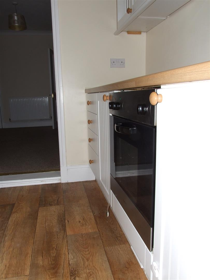 2 bed house to rent in West Street, Long Sutton Spalding 10