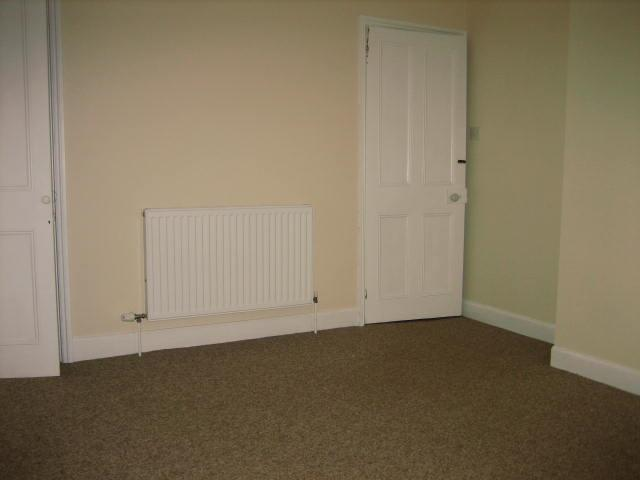 2 bed house to rent in West Street, Long Sutton Spalding 13