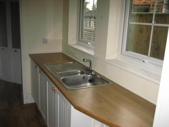 2 bed house to rent in West Street, Long Sutton Spalding 8