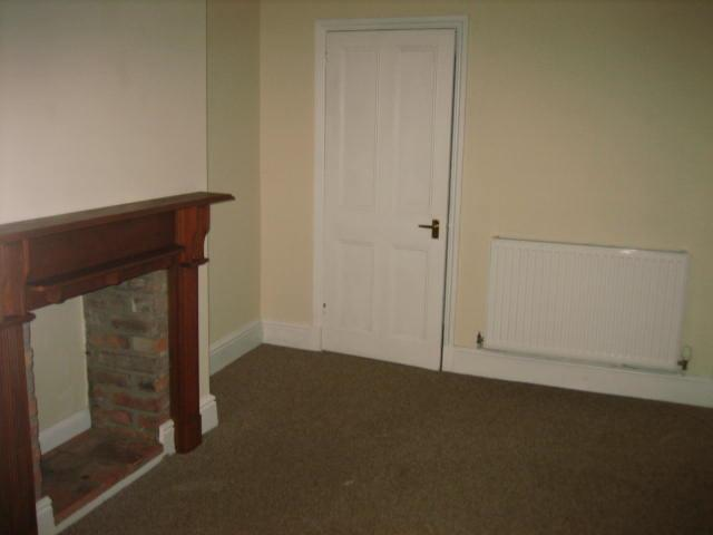 2 bed house to rent in West Street, Long Sutton Spalding 5