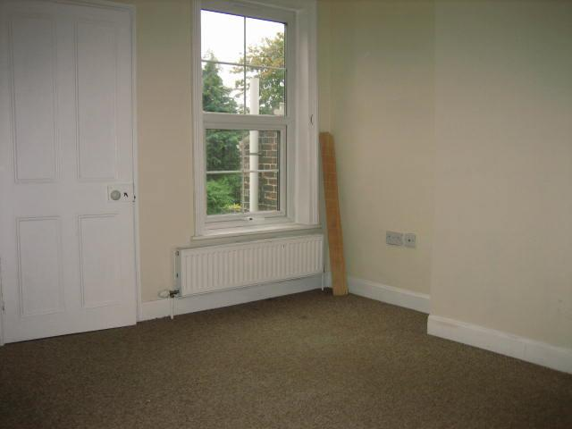 2 bed house to rent in West Street, Long Sutton Spalding 2