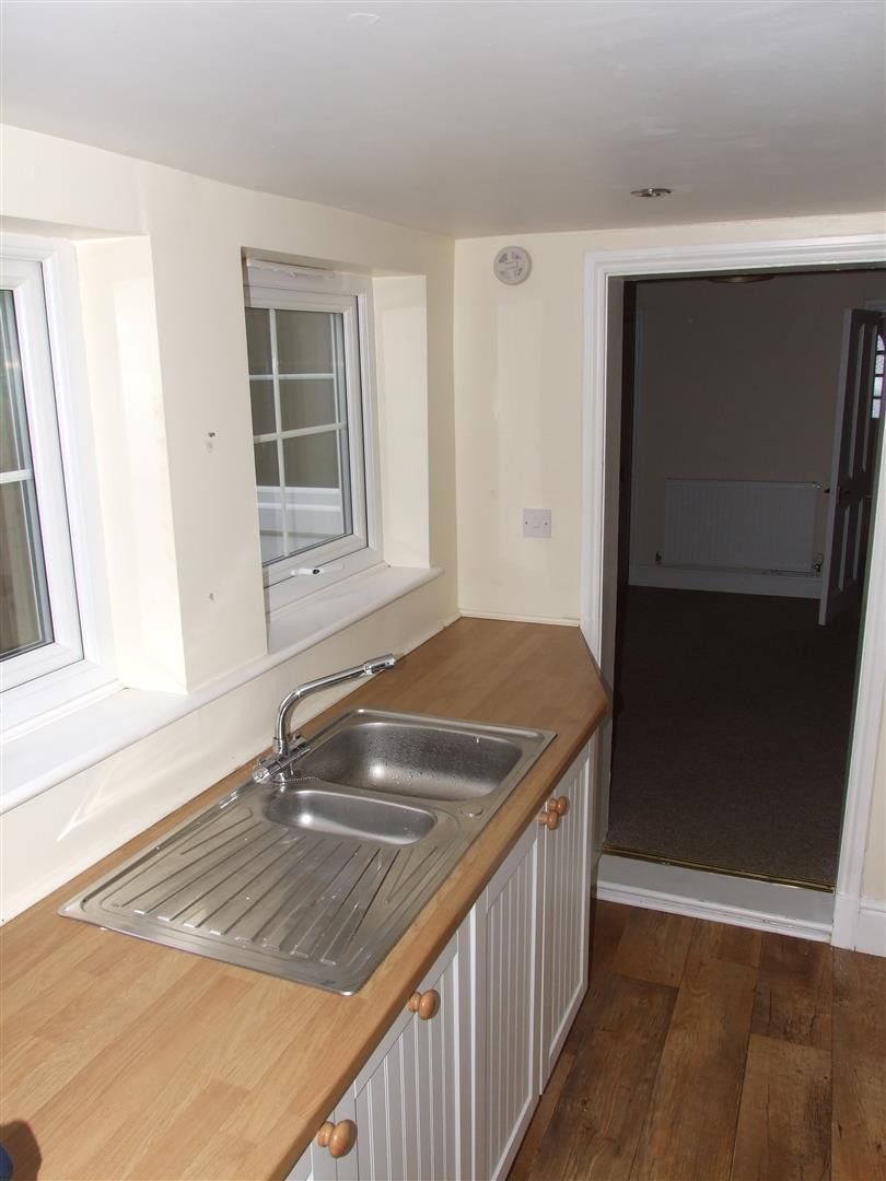 2 bed house to rent in West Street, Long Sutton Spalding 9