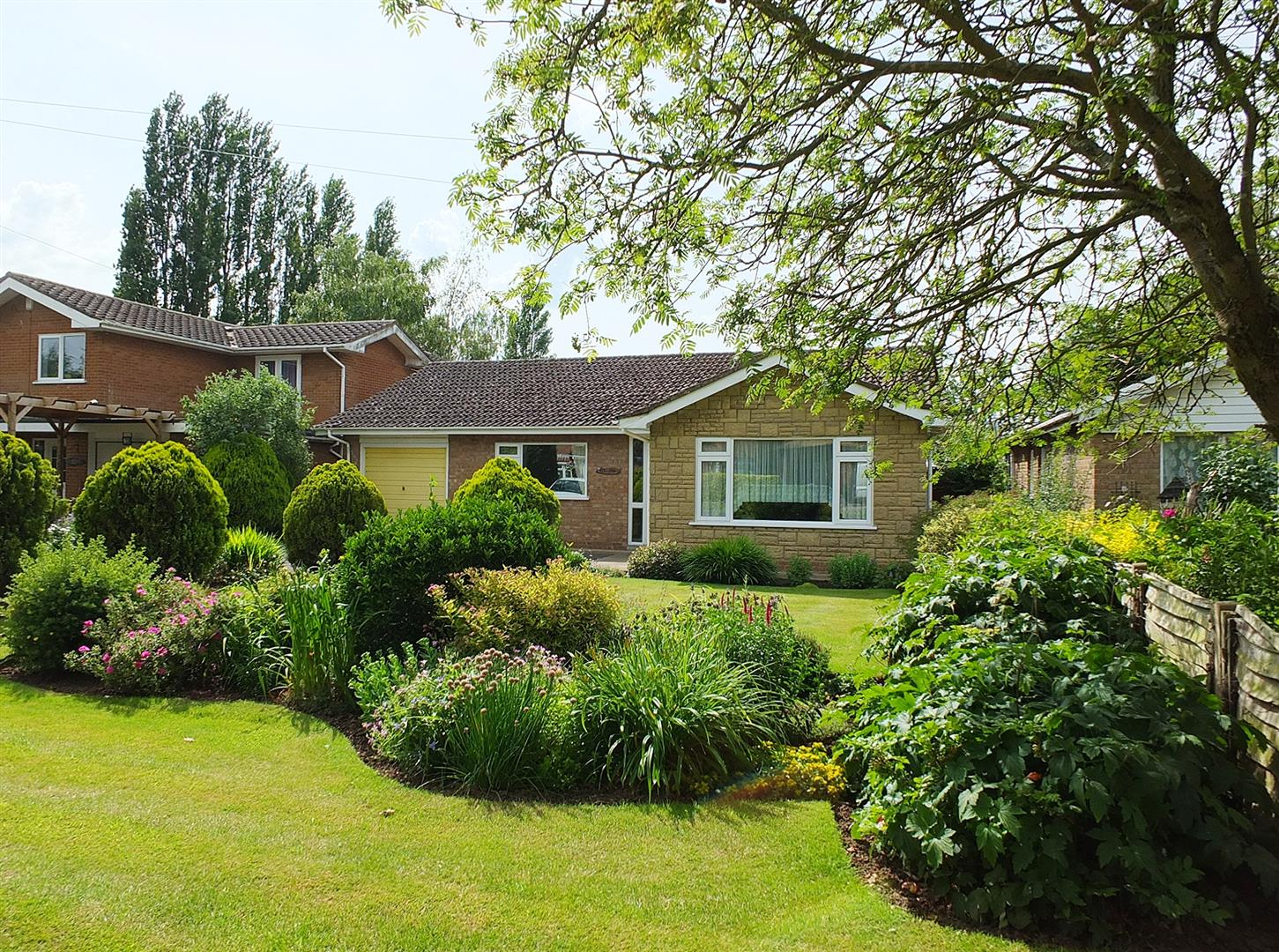 2 bed detached bungalow for sale in Pinstock Lane, Gedney Spalding, PE12