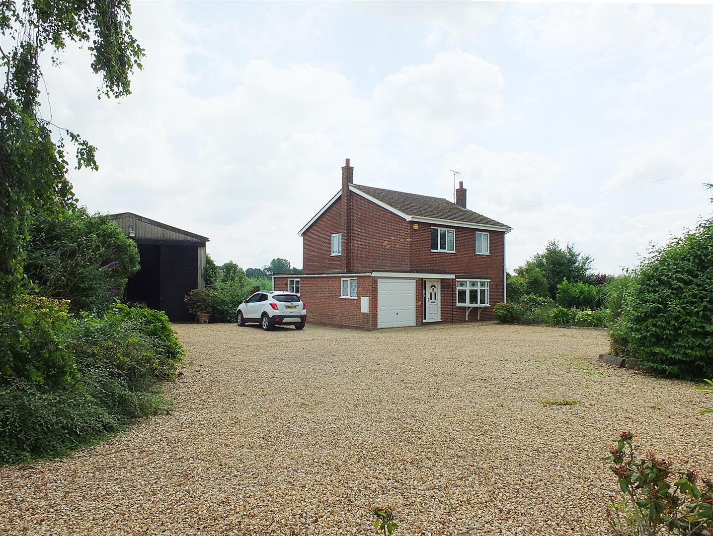 3 bed detached house for sale in Lutton Gowts, Lutton Spalding - Property Image 1