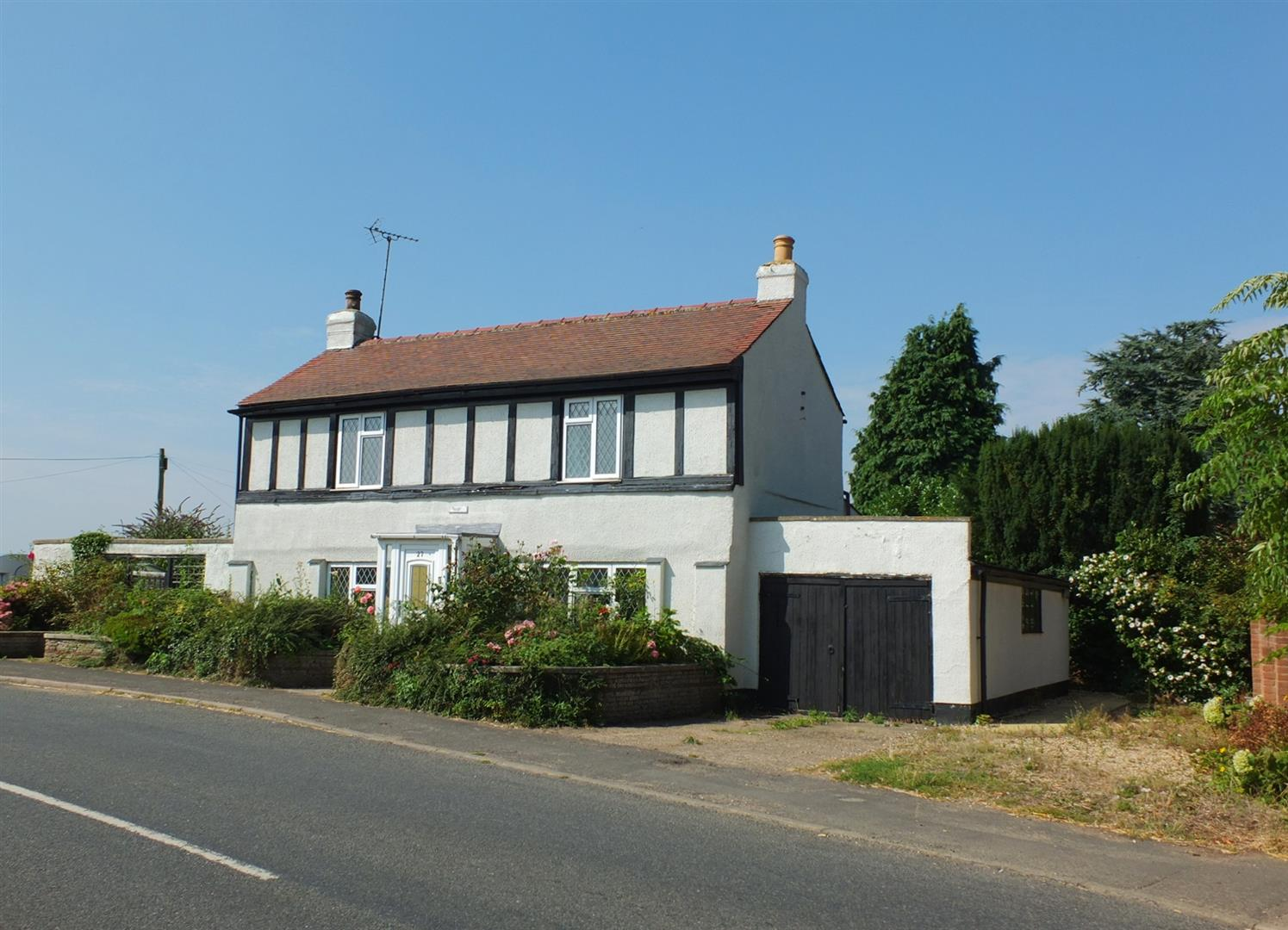 3 bed detached house for sale in Main Street, Gedney Dyke Spalding - Property Image 1