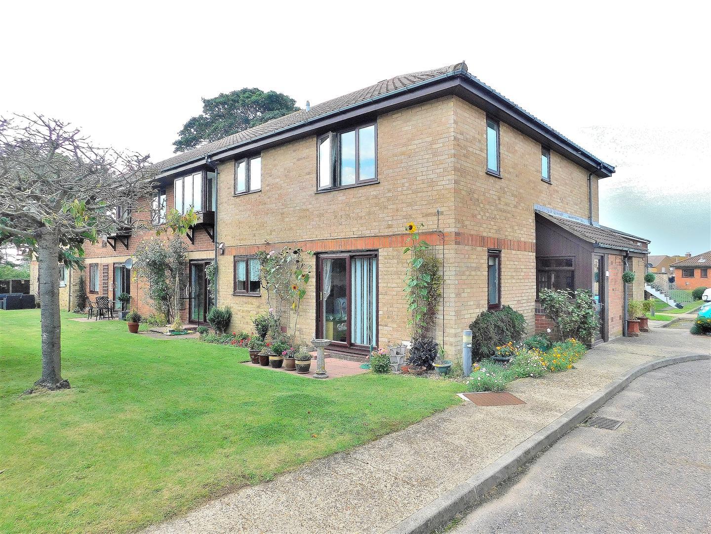 2 bed flat for sale in Silfield Gardens, Hunstanton, PE36