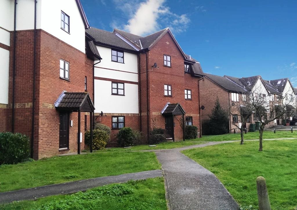 1 bed flat to rent in Hillwood Grove, Wickford, SS11
