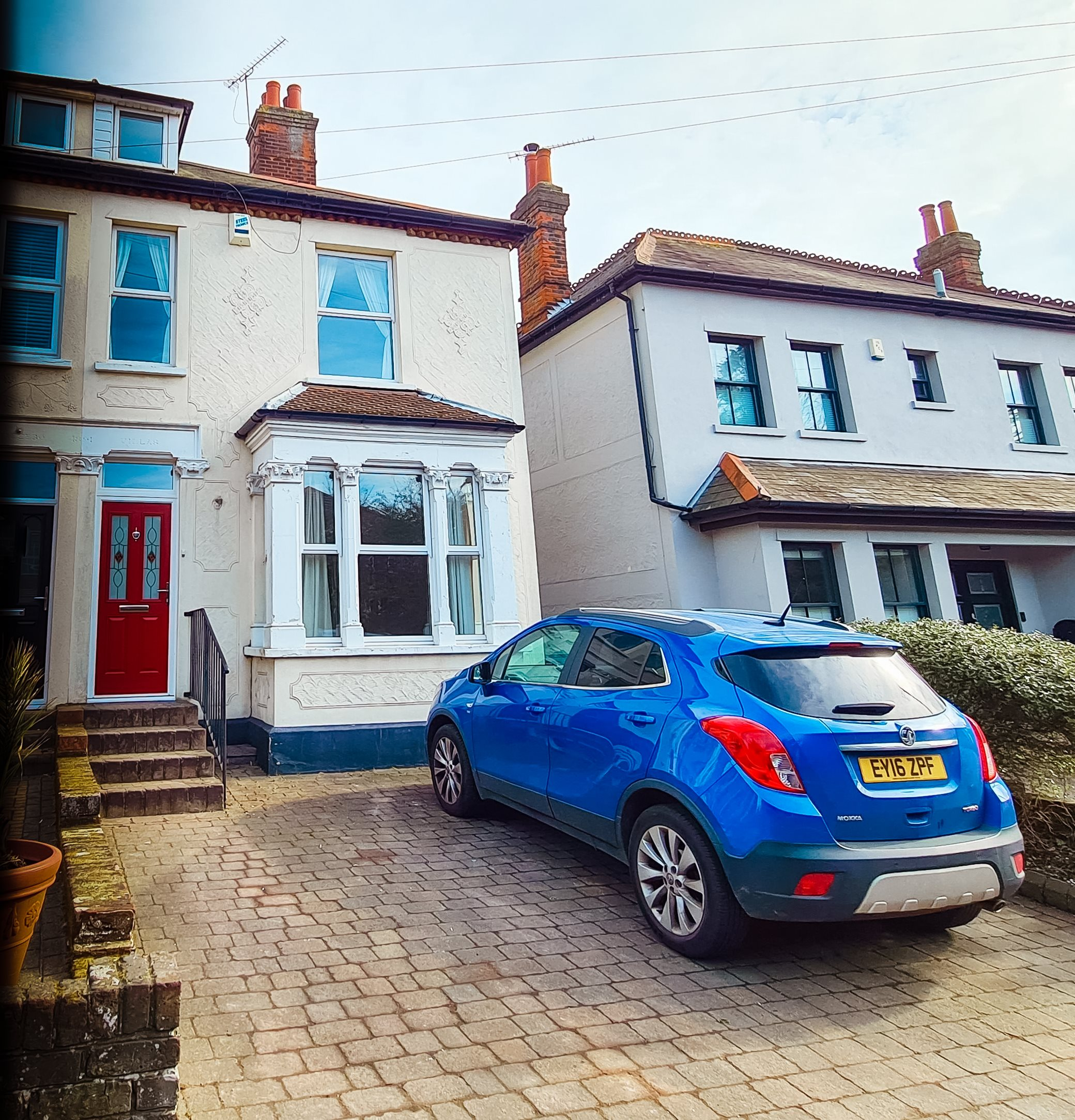 3 bed semi-detached house to rent in High Road, Rayleigh - Property Image 1