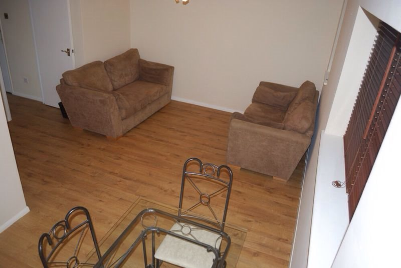 1 bed apartment to rent in Menzies Avenue, Laindon 4