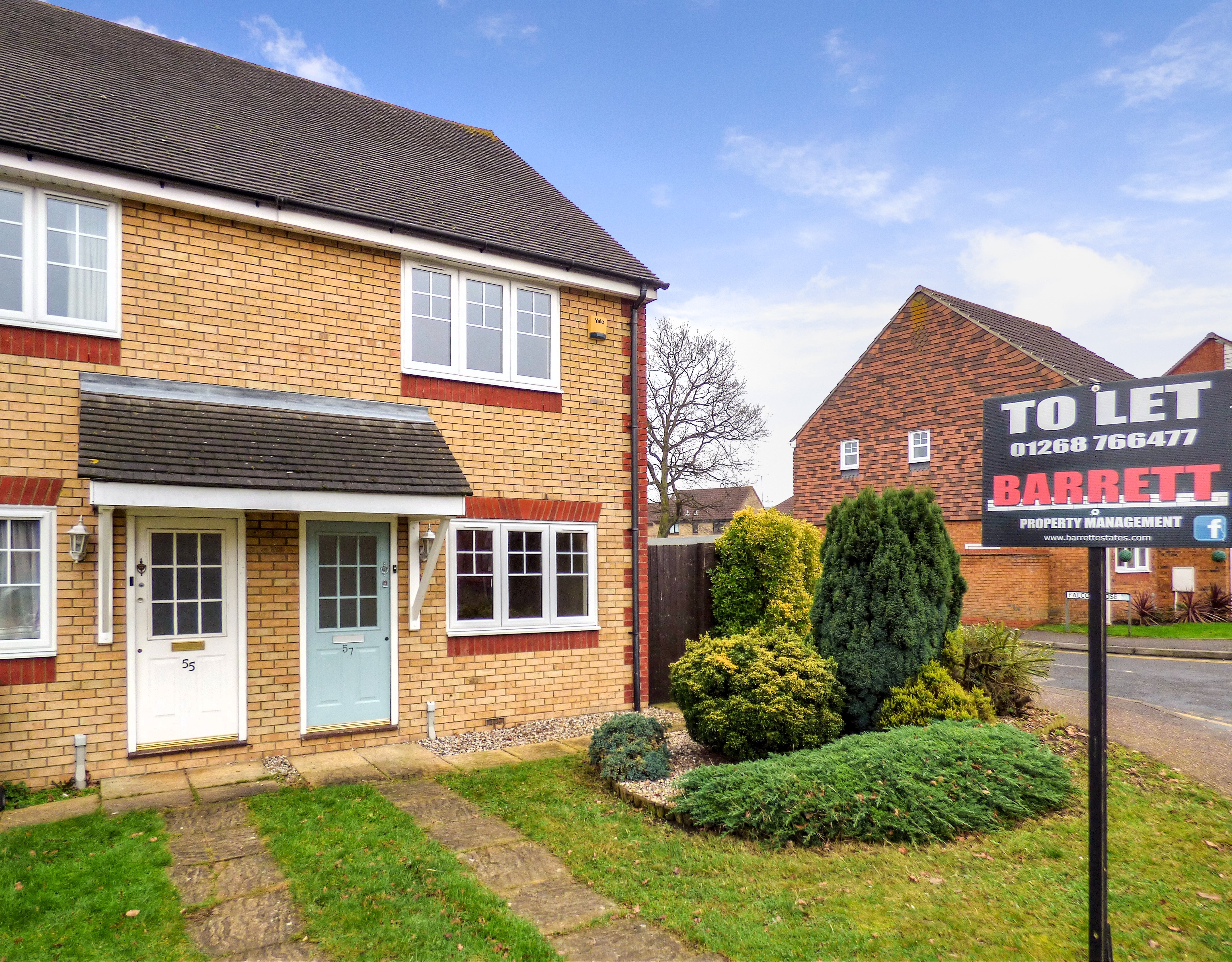 2 bed semi-detached house to rent in Hatfield Road, Rayleigh - Property Image 1