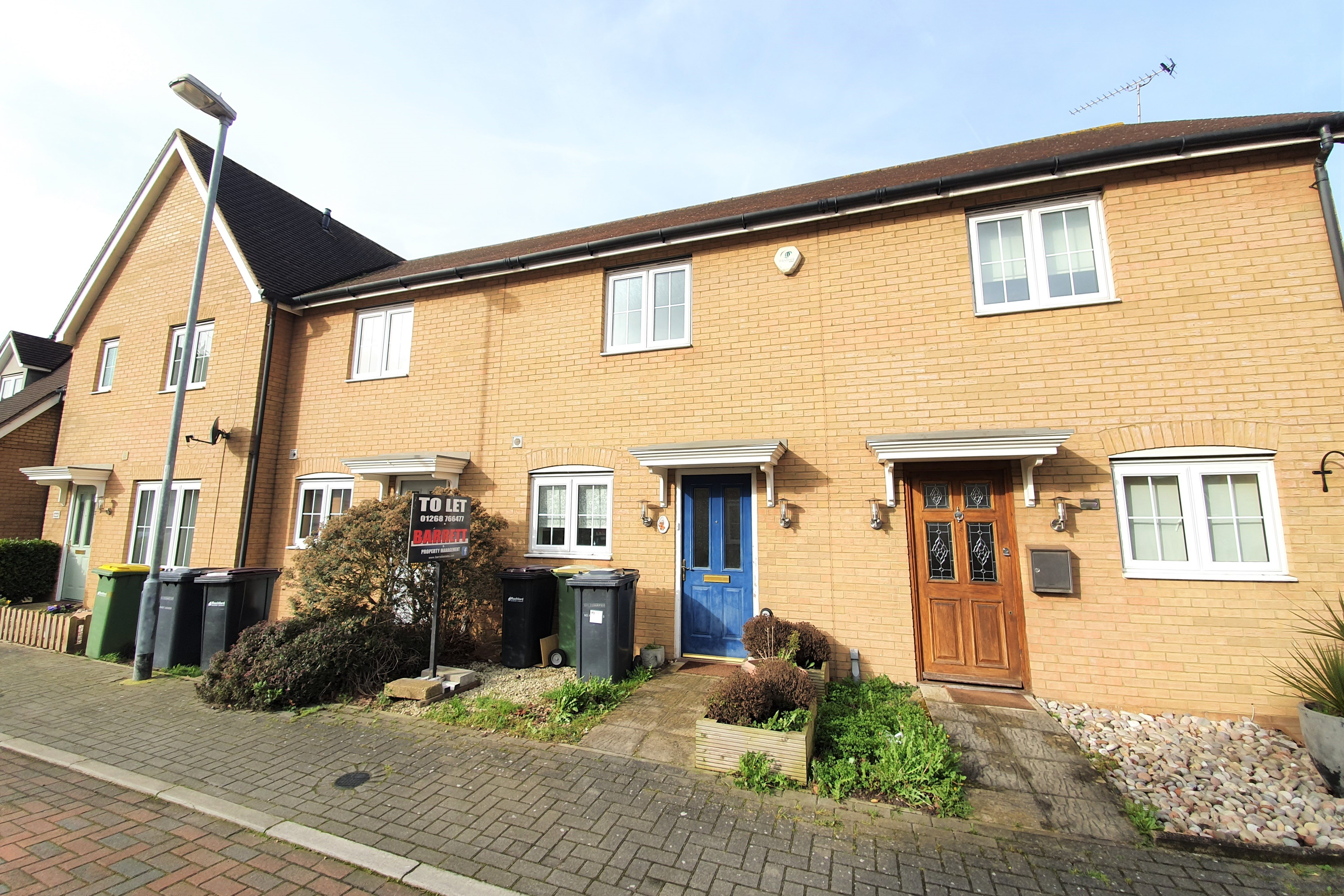 2 bed terraced house to rent in Temple Way, Rayleigh, SS6