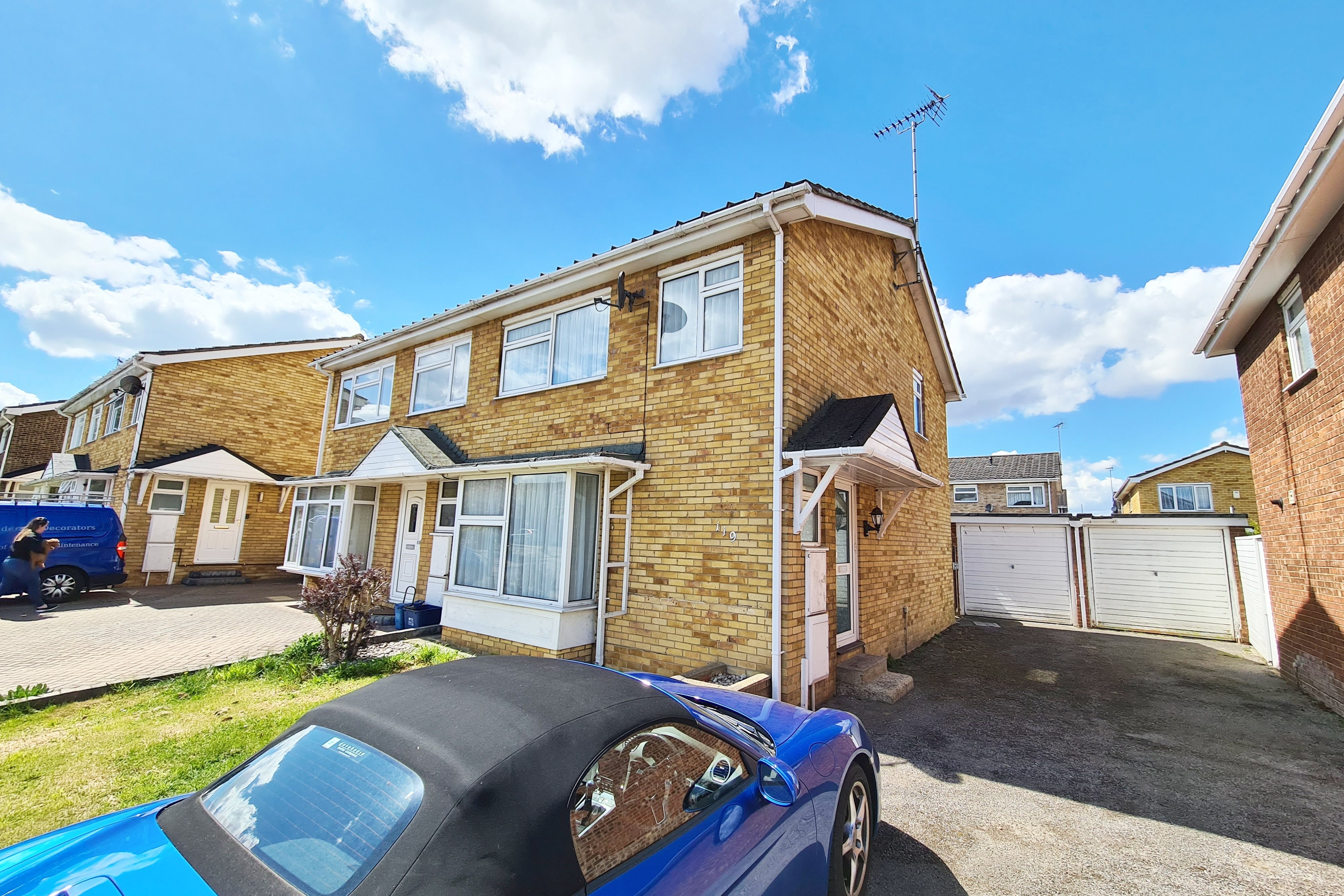 3 bed semi-detached house to rent in Steeplefield, Eastwood, SS9