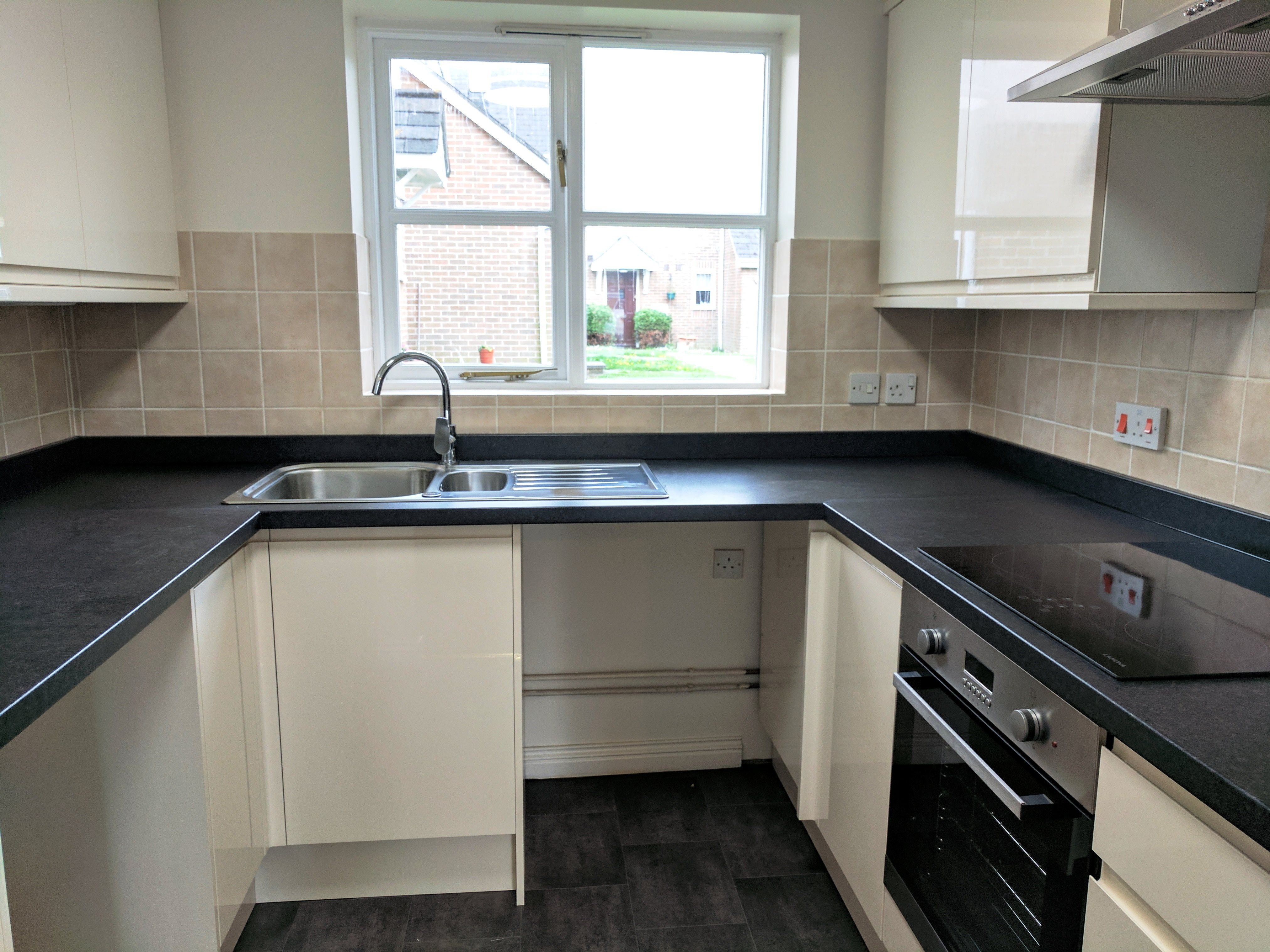 1 bed flat to rent in Wick Meadows, Wickford 2
