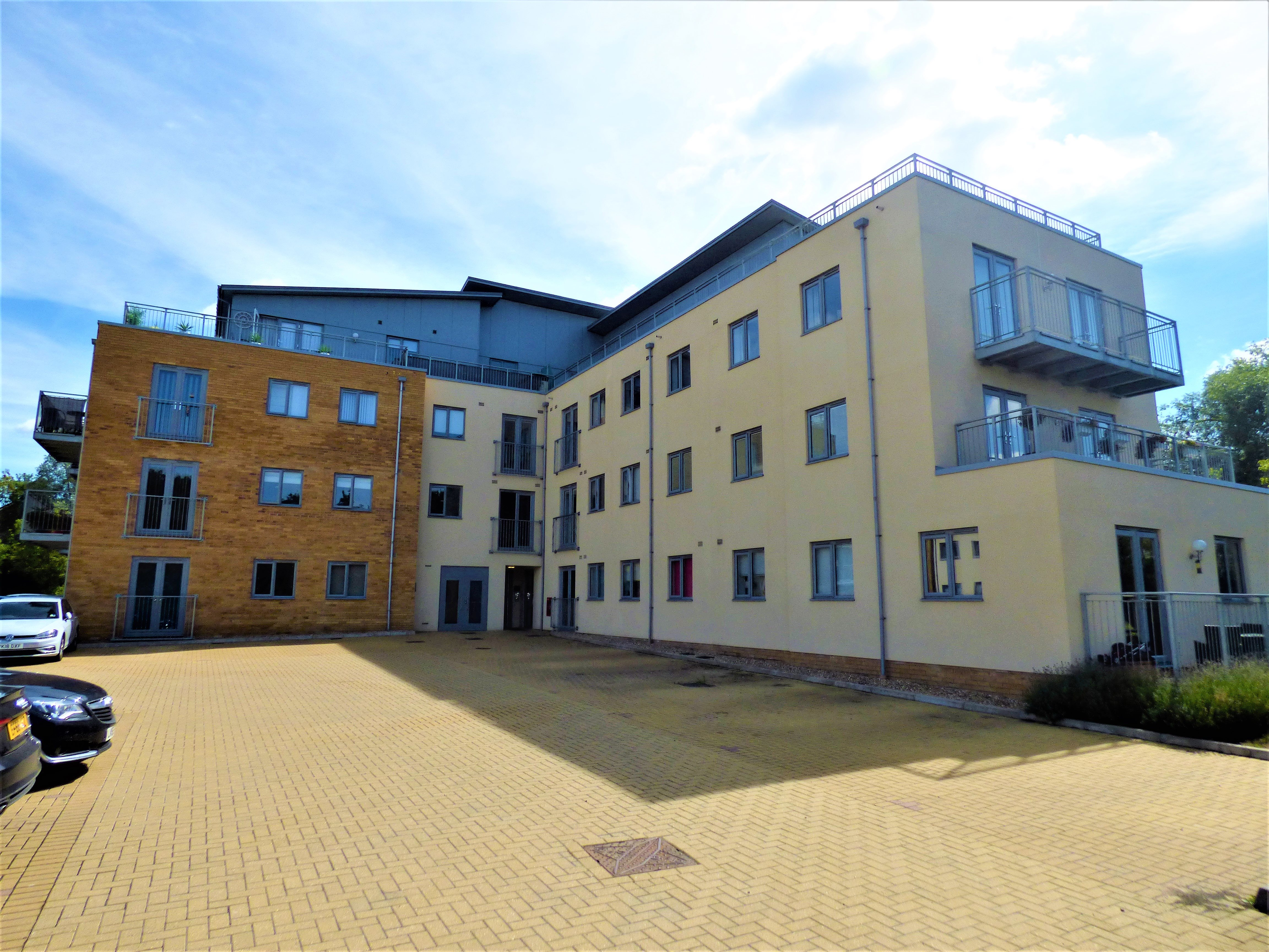 1 bed flat to rent in Golden Jubilee Way, Wickford  - Property Image 1