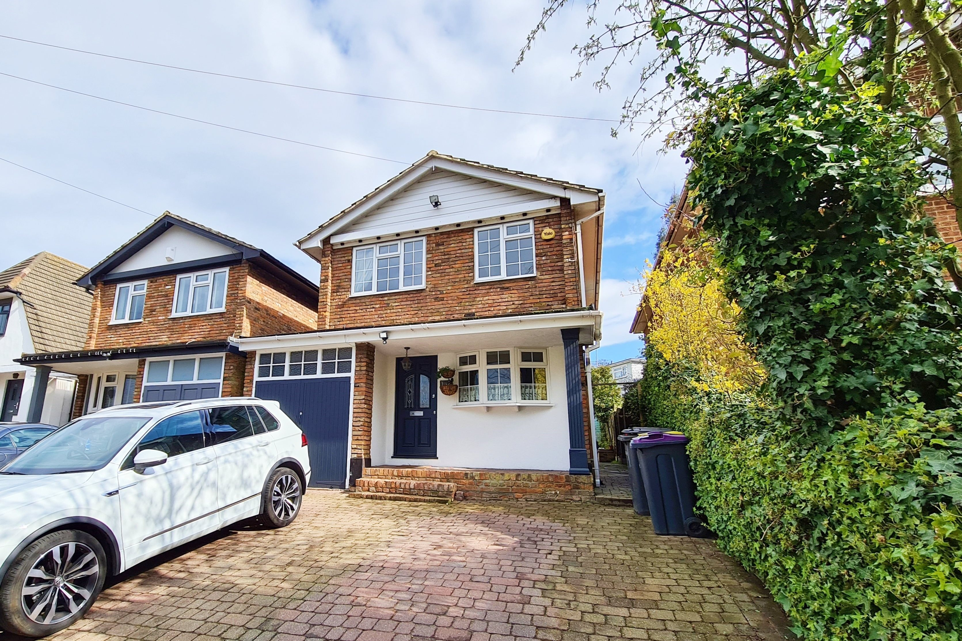 4 bed detached house to rent in Station Road, Rayleigh, SS6