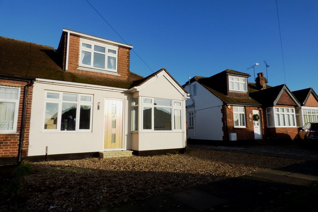 3 bed semi-detached house to rent in North Crescent, Southend-on-sea - Property Image 1