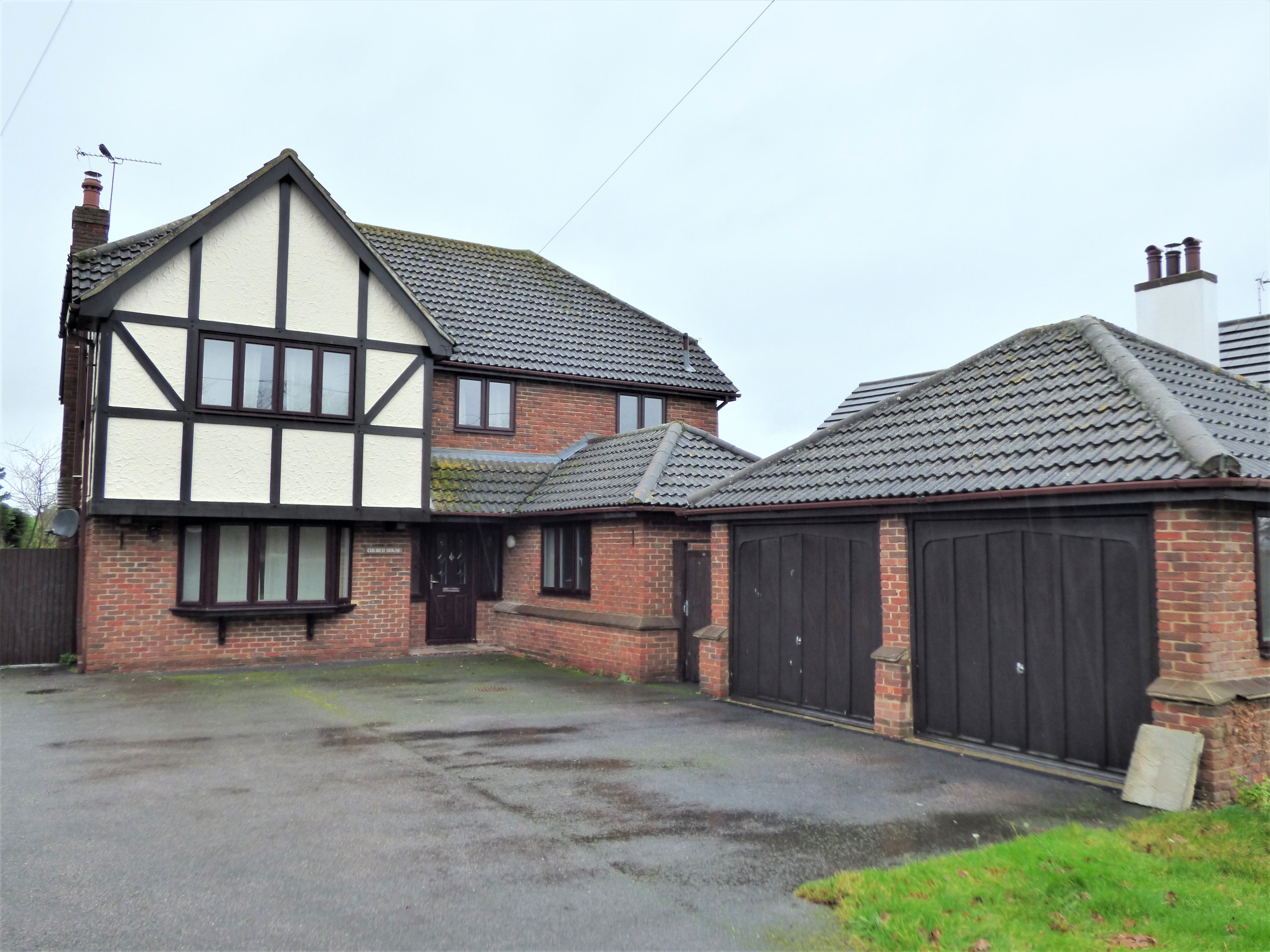 4 bed house to rent in Main Road, Bicknacre - Property Image 1